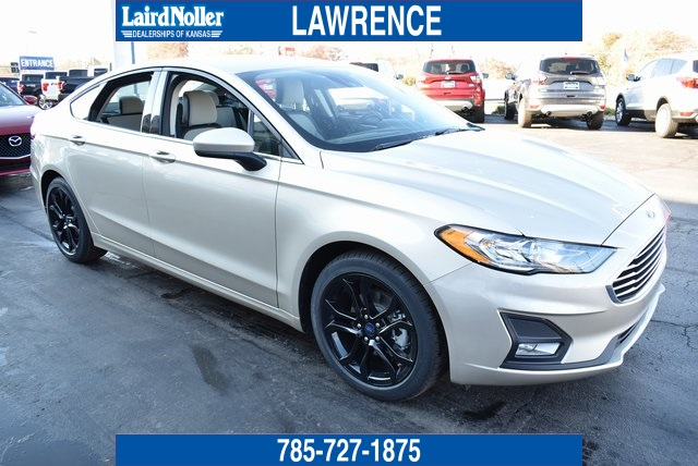 New 2019 Ford Fusion Se 4d Sedan In Topeka 19c992 Laird Noller